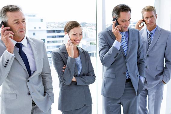 オフィスの悩みを解決し進化するビジネスフォン