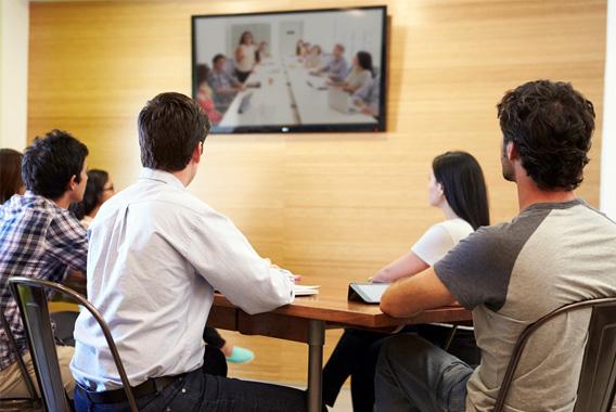 近距離間でも費用対効果を感じるテレビ会議システム