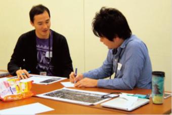 デザイン・シンキング研修① 2人1組でインタビュー研修 2人1組となってインタビュー研修を行い、ユーザーの本当の姿をつかめるようにした