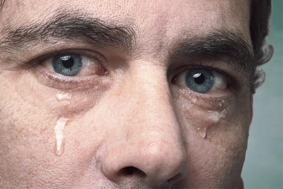 ストレス解消!感動したら素直に涙を流そう