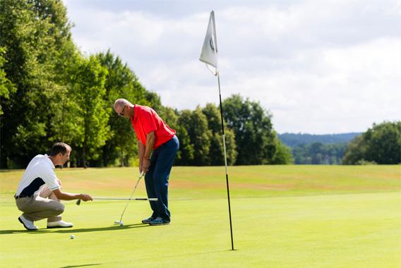 ゴルフレッスンに学ぶ部下の指導法