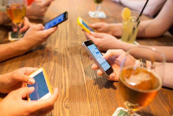 店舗への集客の切り札「無料Wi-Fi」
