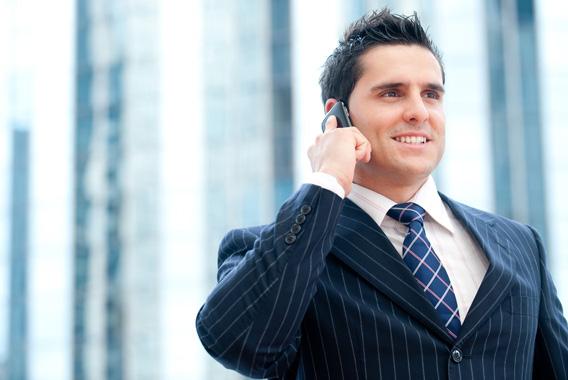 私物のスマートフォンをうまく業務活用する会社