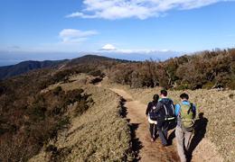 Kさんと共に大展望を楽しみながらのハイキング