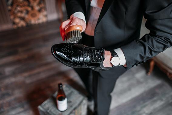 一流のビジネスパーソンは靴磨きを通して自分も磨く