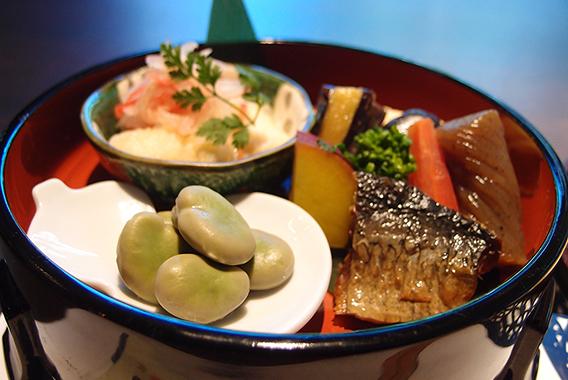名古屋の堀川沿い、四間道で見つけた「蔵」の味