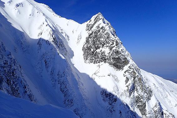 クライマーたちが憧れる大山北壁を登る