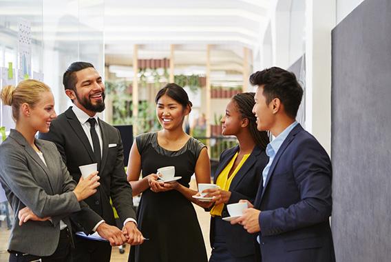 雑談を有効活用し社員みんなで人を育てる