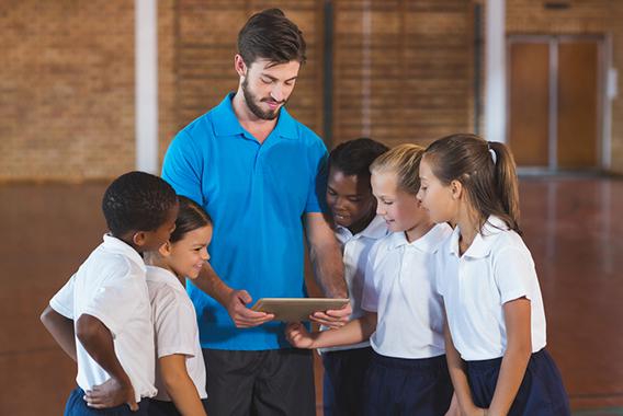 生徒も先生も笑顔に!ICTが部活をサポート