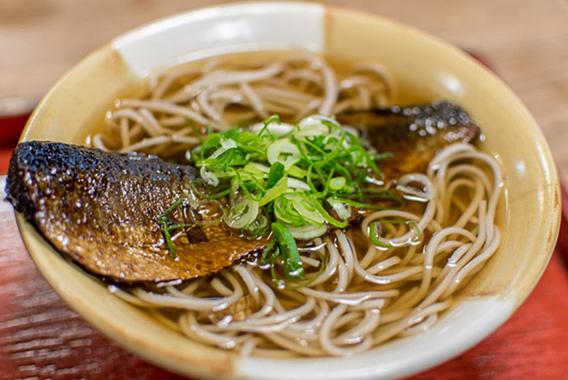 駅ナカで味わう京都の朝食 にしんそば「松葉」