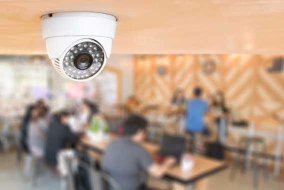 トラブルなく防犯カメラを運用するには?