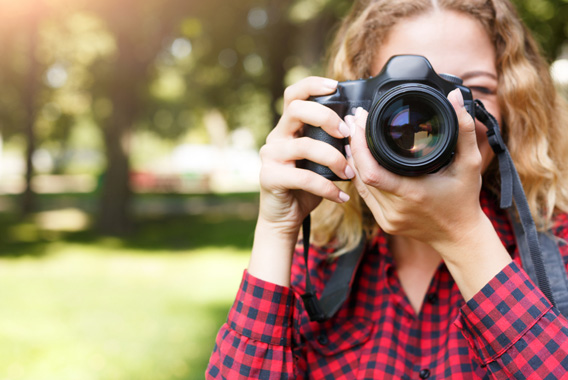 ミラーレス一眼が好調。スマホ時代のカメラ
