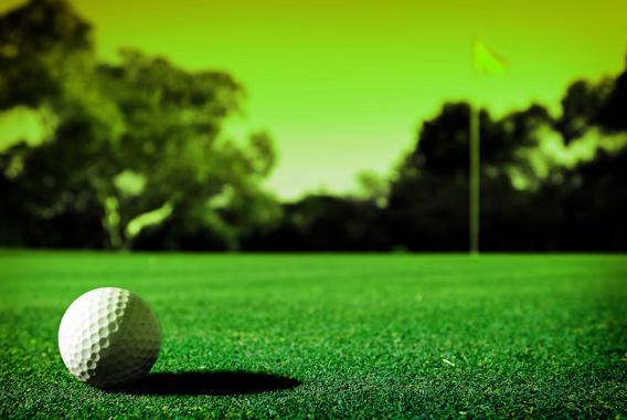 高齢者に配慮したゴルフ環境をワンチームでサポート