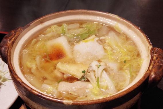 ひとり土鍋に舌鼓、相撲部屋直伝「ちゃんこ鍋」