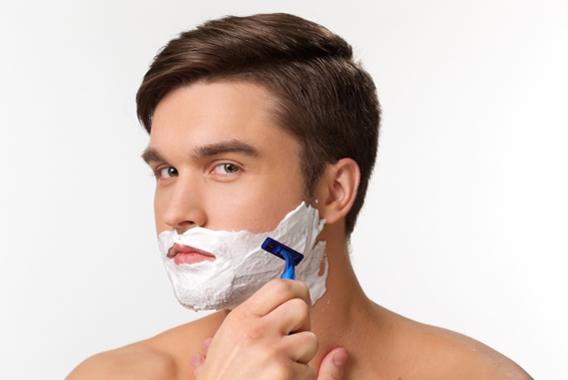 顔の健康肌を保つ、ひげそりスキンケア
