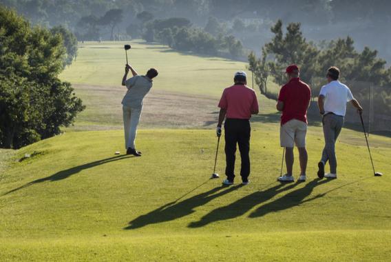 ゴルフに学ぶ、個の時代の「助け合い」の精神