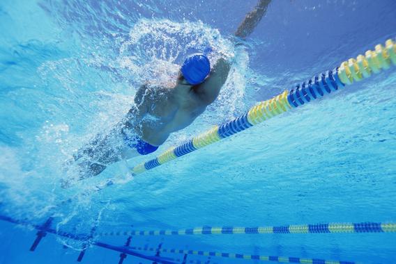 100m背泳ぎ 鈴木大地の柔軟さと大胆さ