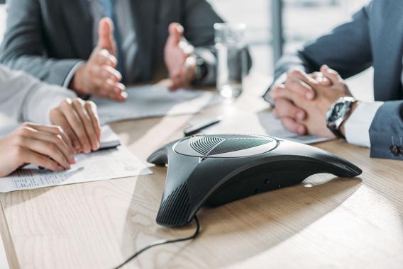 電話会議とは?システムの種類・メリット・方法