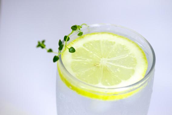 食前のレモン果汁で仕事のパフォーマンス低下を防ぐ
