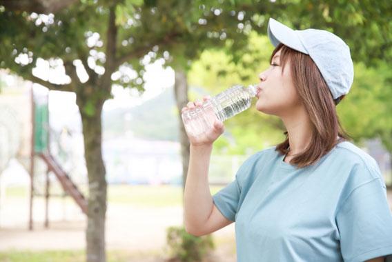 熱中症や夏バテを防いで仕事の能率を上げる運動法